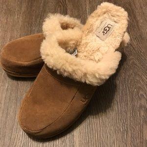 Ugg clog shoes